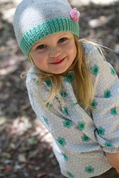 Pieta Hat Hat with Tiny Flower Little Cupcakes by by HoneyCakes Knit Crochet, Crochet Hats, Knitting Patterns, Knitting Ideas, Tiny Flowers, Crochet For Beginners, Little Ones, Cupcakes, Trending Outfits