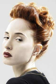 Stylish Updos for Short Hair - Don't give up on updos just because you've cut your locks! Try some stylish updos for short hair, both for special occasions and for an everyday classy look. Medium Short Hair, Short Hair Updo, Medium Hair Styles, Short Hair Styles, Retro Updo, Shades Of Blonde, Bad Hair Day, How To Look Classy, Hair Today