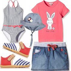 Pronta per la spiaggia! Costume intero a righe bianco e blu con particolari corallo. Gonnellina in jeans con coulisse, t-shirt corallo con stampa, sandalo in tela rosso con contrasti a righe, cappellino in jeans con applicazioni di fiori.