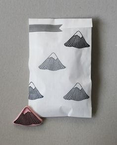 Mountain Stamp l packaging l Tampon l Illustration l Emballage personnalisé