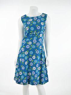 ccddf3cae4a 1960s 60s Mod Floral Scooter Shift Dress - Blue Velvet Vintage  60sdresses   moddresses