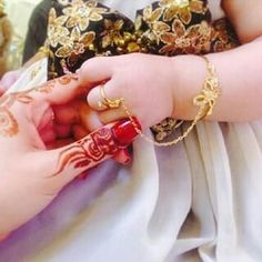 Baby Shoes Photography Mom 67 Ideas For 2019 Kids Gold Jewellery, Baby Jewelry, India Jewelry, Kids Jewelry, Bridal Jewelry, Gold Jewelry, Jewelery, Gold Bangles Design, Jewelry Design