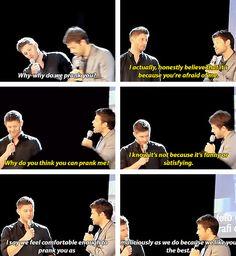 [gifset] Jensen and Misha on pranking him. #Jensen #Misha #JibCon14