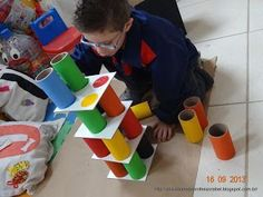 Teacher Bel: pyramid of colors, You are in the right place about Montessori Materials fine motor Here we offer you the most beautiful pictures about the Montessori M Motor Skills Activities, Preschool Learning Activities, Sensory Activities, Toddler Activities, Preschool Activities, Kids Learning, Montessori Materials, Kids Education, Games For Kids