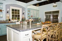 """The """"aMAURAble"""" kitchen -Rizzoli and Isles"""