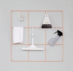 Wallment nude wire mesh grid for neat wall storage | A storage board for a smart tidy minimalist apartment | Nordic Home Design | Cleaning inspiration #tidyhome #ordning