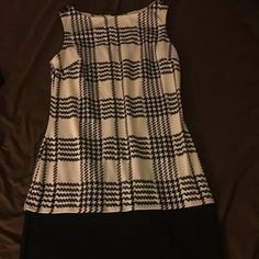 Black & White dress Sz 6 Black & White Dress Sz 6 Dresses