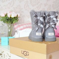 I love these snow boots. I love to wear them in winter when it is snowing outside. They always keep my toes very WARM. I LOVE THEM! Only $39.