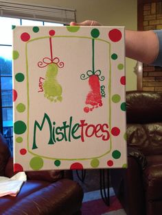 Cute canvas idea if you have a little one around the family this year!