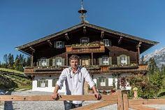 Bergdoktorpraxis Elba, Wilder Kaiser, Dr Berg, Heart Of Europe, Gazebo, Outdoor Structures, Cabin, House Styles, People