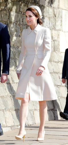 The Duchess of Cambridge Went Full Jackie O For Easter | HuffPost
