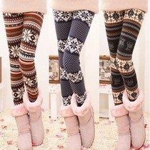 Warm, comfy tights with winter patterns