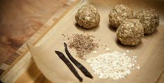 Vanilla Oat Protein Balls // These almond and oat vegan protein balls are a healthy recipe that will satisfy your sweet cravings and give a hefty boost of protein. Vegan Snacks, Vegan Desserts, Raw Food Recipes, Healthy Snacks, Whey Recipes, Protein Snacks, Vegan Sweets, Vegan Foods, Snacks