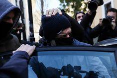 Ο γνωστός σκηνοθέτης και σεναριογράφος αναφέρθηκε, χωρίς να τον κατονομάζει, στον ποινικολόγο τονίζοντας ότι δεν μιλά τυχαία Winter Hats, Beanie, Beanies, Beret