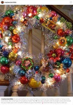 Vintage ornament holiday wreath