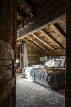 Amazing Idea About Loft Living Rooms You Need To Sample 72 (Amazing Idea About L. Amazing Idea About Loft Living Rooms You Need To Sample 72 (Amazing Idea About Loft Living Rooms You Need To Sample design ideas and photos Cabin Homes, Log Homes, Tiny Homes, Chalet Design, Attic Renovation, Attic Remodel, Master Bedroom Design, Design Case, Rustic Interiors