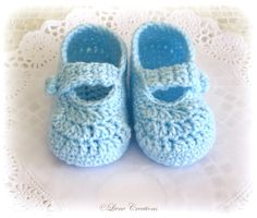 Liene Creations: Baby shoes Crochet Crafts, Crochet Projects, Knit Crochet, Crayon Crafts, Felt Shoes, Pattern Images, Crochet Baby Booties, Baby Steps, Baby Feet