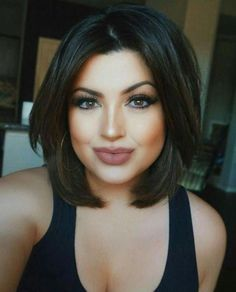Short Bob Haircuts for Thick Hair It's no secret that short bob hairstyles have been popular all the time. And as we all know, bob haircuts are the best choice for summer hairstyles. This time, you can arrange it with a short… Bob Haircuts For Women, Short Bob Haircuts, Short Hairstyles For Women, Plus Size Hairstyles, Thick Haircuts, Long Bob Hairstyles For Thick Hair, Medium Bob Hairstyles, Haircuts For Fall, Cute Short Haircuts