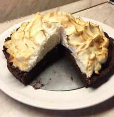 Csokis kekszes,krémlikőrös süti.