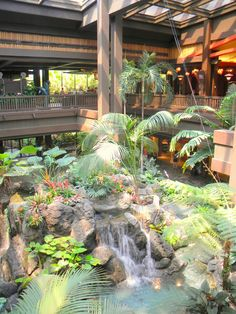 Polynesian Resort: Great Ceremonial House waterfall
