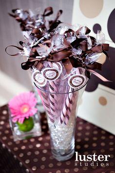 CANDY FAVOR | Candy Wedding Favors (Source: lusterstudios.com)