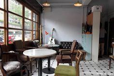 【Taipei】復古悠閒 公雞咖啡 Rooster cafe & vintage | No. 20, Lane 25, Nánjīng West Rd, Datong District (Shuanglian Station) | 台北市中山區南京西路25巷20號之5 (攝影‧旅行‧拈花惹草→Morris)