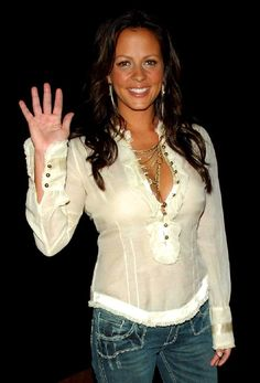 Sara Lynn Evans born febuary in an American Country singer Sara Evans, Country Female Singers, Country Music Singers, Most Beautiful Faces, Beautiful People, Beautiful Women, Sexy Older Women, Sexy Women, Hot Country Girls