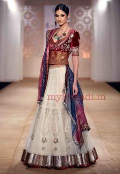 Browse through Anju Modi Indian wedding dresses and lehenga collection at MyShaadi. Find the perfect wedding dress by Anju Modi India Fashion, Ethnic Fashion, Asian Fashion, Indian Fashion Designers, Indian Designer Wear, Indian Attire, Indian Ethnic Wear, Indian Dresses, Indian Outfits