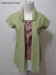 Indonesian Kebaya, Indonesian Women, Blouse Batik, Batik Dress, Crazy Outfits, Cool Outfits, Modern Kebaya, Kebaya Brokat, Batik Kebaya