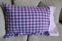 Taie d'oreiller mauve comme le ciel – taie d'oreiller en flanelle - faite avec tissu recyclé de la boutique JacquardVichy sur Etsy Mauve, Ciel, Comme, Throw Pillows, Boutique, Etsy, Scrap Fabric, Fabrics, Flannel