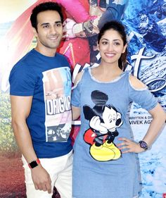Junooniyat co-stars Pulkit Samrat and Yami Gautam promoted their upcoming film at Appu Ghar in Gurgaon. Take a look at some candid photos from the event. Bollywood Couples, Bollywood Actors, Bollywood Fashion, Bollywood Style, Strike A Pose, Beautiful Couple, Latest Pics, Cute Couples, Actors & Actresses