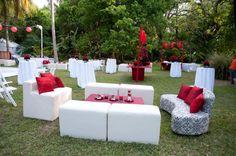 Una boda en el jardín en blanco y rojo!!! Soñada!!