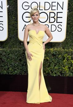 Golden Globes 2017: Fashion—Live From the Red Carpet - Reese Witherspoon in a Custom Atelier Versace dress and Tiffany & Co. jewelry