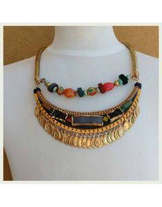 http://www.elbauldeloscollares.com/es/411-collar-corto-angelina.html