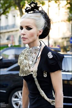DG - Always amazing #Daphne #Guinness an #angel she saved all of Isabel Blow's closet for a collection, lost Alexander Lee, Isabel, his mother can still worn the #armadillo #shoes with utter success