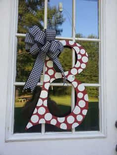 Alabama Letter Initial door decor/Red and White with Houndstooth ribbon Diy King Headboard, Diy Headboards, Diy Screen Door, Diy Door, Wooden Door Hangers, Wooden Doors, Door Decoration For Preschool, Door Frame Repair, Grey Interior Doors