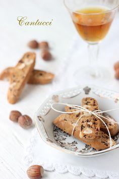 Dolce Salsarosa: Cantucci con farina di castagne e nocciole