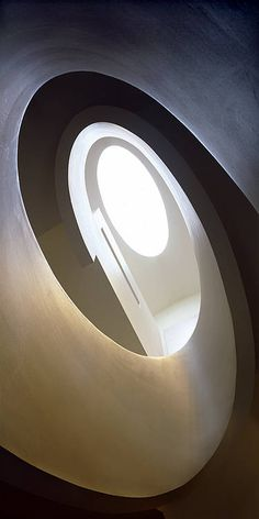 Stairway to heaven Architecture Details, Interior Architecture, Yves Delorme, Stairway To Heaven, Curved Lines, Smooth Lines, Interior Exterior, Architectural Elements, Light And Shadow