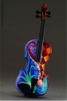 painted. violin.