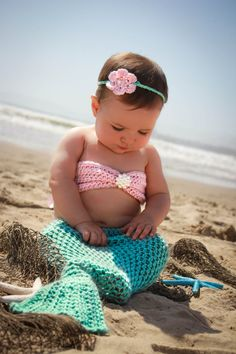 Baby mermaid photo prop- 4 piece set- 6-12 months- Made to order. $58.00, I think she's gonna look like this. adorable