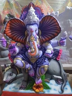 Make this Ganesha Chathurthi 2020 special with rituals and ceremonies. Lord Ganesha is a powerful god that removes Hurdles, grants Wealth, Knowledge & Wisdom. Hanuman Images, Durga Images, Ganesh Images, Lord Krishna Images, Ganesha Drawing, Lord Ganesha Paintings, Ganesha Art, Ganesh Lord, Shri Ganesh