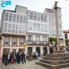 ¿Conoces el tour nocturno por la #CiudadVieja? De la mano de #MaríaPita, nuestra heroína coruñesa, descubrirás calles, plazas, jardines y casonas del casco histórico, con el encanto de ver su trazado medieval y barroco al atardecer.