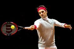 El número 1 suizo y segundo clasificado en la ATP, Roger Federer, con molestias en la espalda, se entrenó este miércoles en la segunda sesión del día para preparar la final de la Copa Davis, en la que su país se mide de viernes a domingo a Francia en Lille.