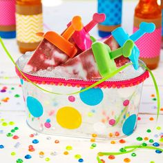 Keep your cool treats on ice in colorful style when you make this east DIY polka dot party tub.