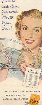 Vintage advertisement - Easier to wash clean... food doesn't stick to Pyrex Ware! (1948)