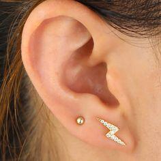2nd Ear Piercing, Triple Lobe Piercing, Double Ear Piercings, Cute Ear Piercings, Piercing Ideas, Helix Jewelry, Ear Jewelry, Cute Jewelry, Jewlery