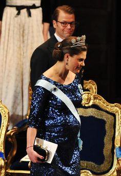 CARAS - Realeza - Conto de fadas da vida real: as rainhas e princesas grávidas e cheias de estilo