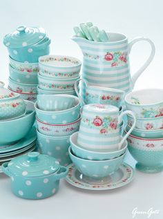 TEAL...LOVE IT....!! Accent color inspiration for white cabinets in kitchen . Greengate Pretties