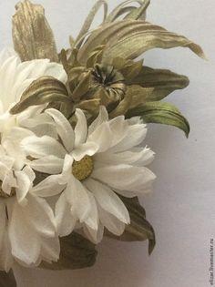 Броши ручной работы. Ярмарка Мастеров - ручная работа. Купить Ромашки. Handmade. Белый, цветы из шелка, украшение в прическу, свадьба