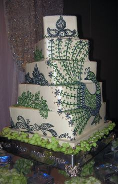 Square-Spiral-Peacock-wedding-Cake (2) - http://bestweddingcakeshouston.com